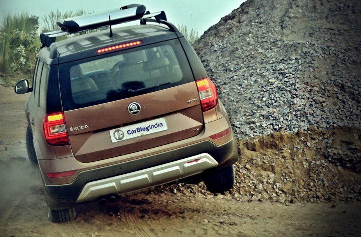 new-skoda-yeti-rear-action-2