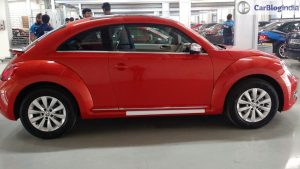 new-volkswagen-beetle-india- orange-side