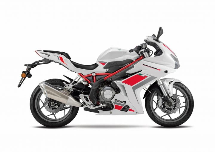 Upcoming Bikes in India 2017-2018 - Benelli Tornado 302