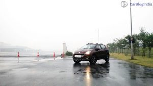 fiat-avventura-abarth-test-drive-review-pics-front-angle-distance-2