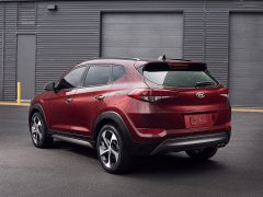 Hyundai-Tucson_2016_India_Launch_Pics_rear-angle-red-2