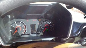 mahindra-kuv100-interior-speedo-console