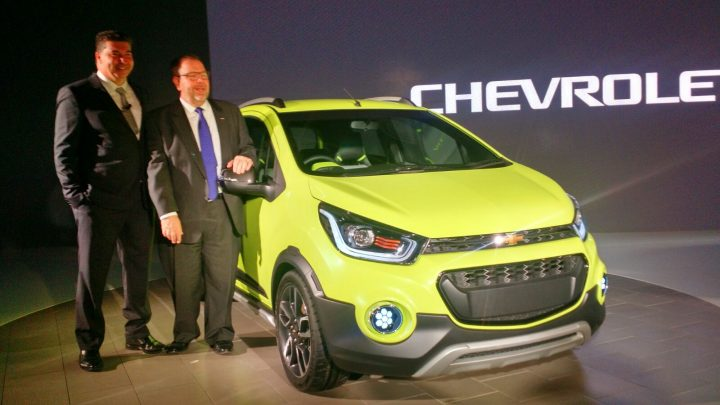 new-model-chevrolet-beat-pics-auto-expo-2