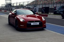 2015-nissan-gt-r-review-photos-front