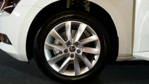2016 skoda superb india photos alloy wheels