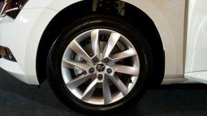 2016 skoda superb india photos alloy wheels