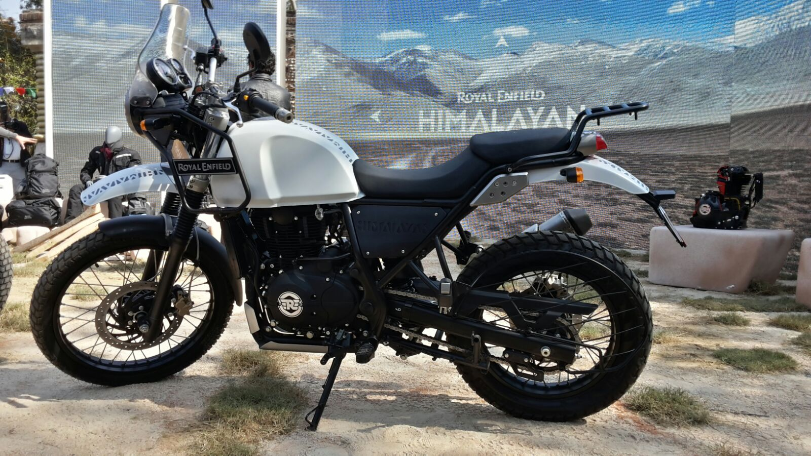 Royal Enfield Himalayan 750 Launch Date Price Specifications Mileage