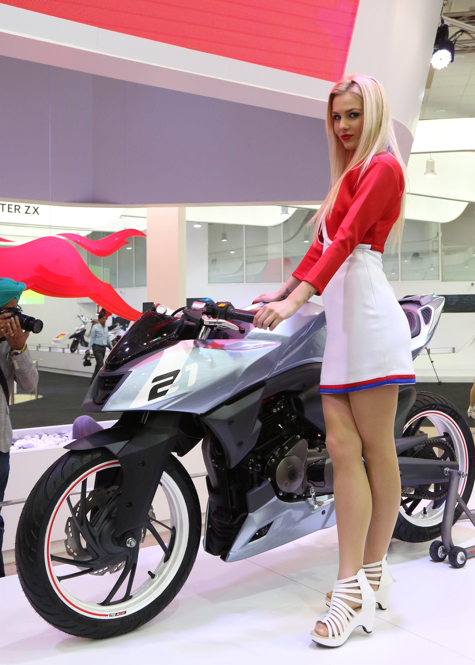 tvs motor company unveiled tvs x21 at auto expo carblogindia. Black Bedroom Furniture Sets. Home Design Ideas