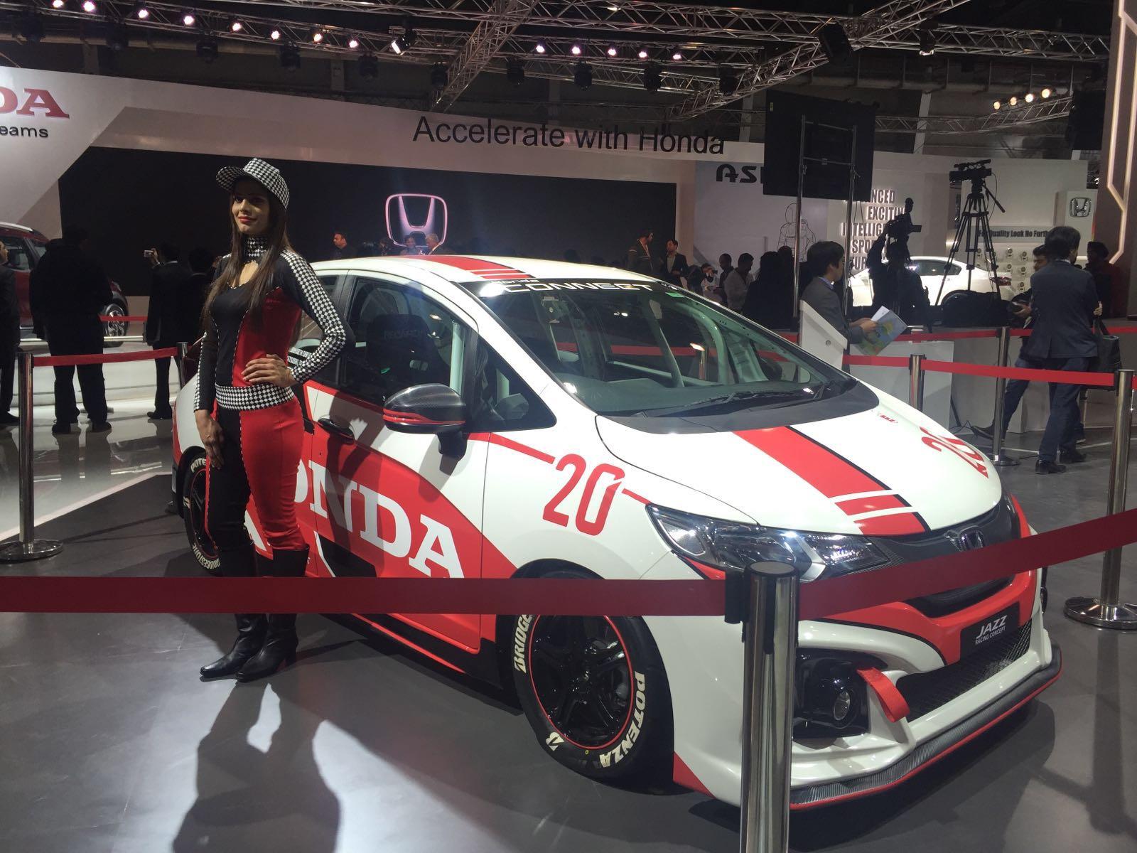 Honda jazz sport concept auto expo 2016 carblogindia for Concept expo