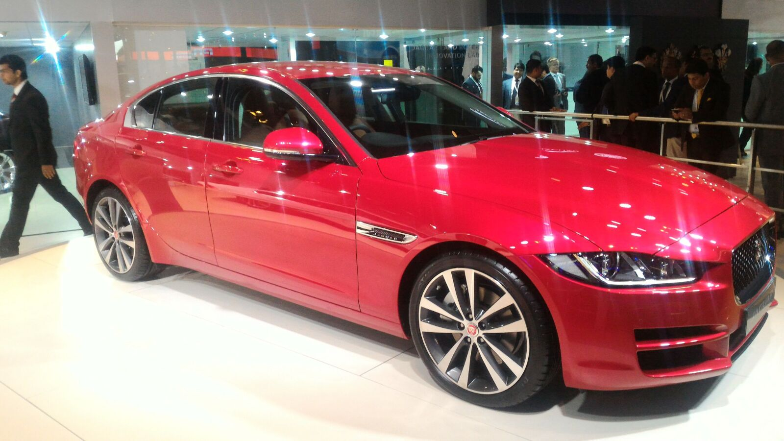 Jaguar Xe Launched In India At Inr 39 9 Lacs
