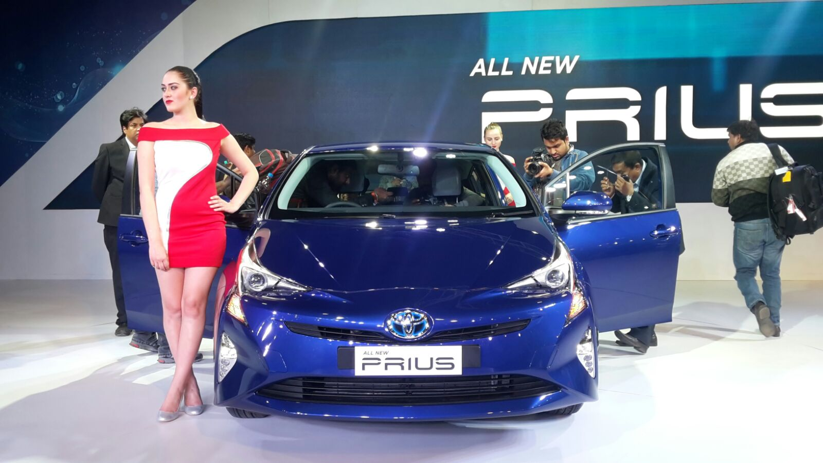 Upcoming New Car Launches India 2016 Toyota Prius Auto Expo