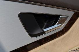 2016 Audi Q7 Review test Drive door handle