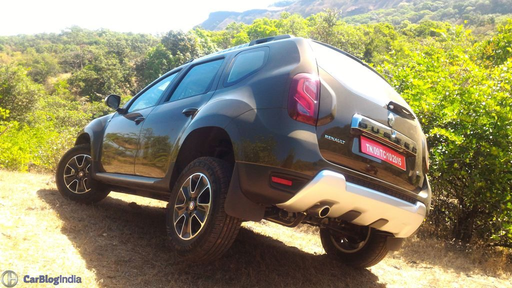 2016 renault duster facelift AWD rear angle
