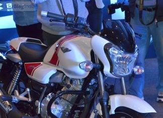 bajaj-v15-photos- whire-red-front-angle-fairing-headlight