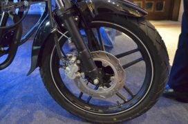 bajaj-v15-photos- alloy-wheel
