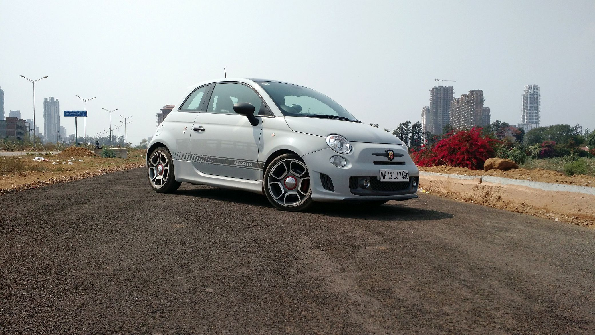 fiat 595 abarth competizione review price in india specs. Black Bedroom Furniture Sets. Home Design Ideas