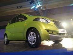 2016 Datsun Redi Go India Green Front Angle