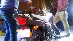 yamaha-saluto-rx-black-rear-taillight