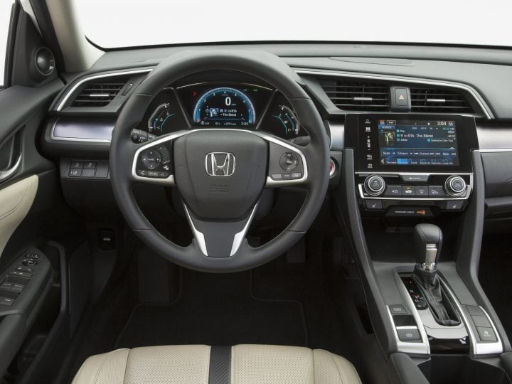 New Honda Civic India launch in April, 2017. 2016 Civic Interior Steering Wheel Image-2