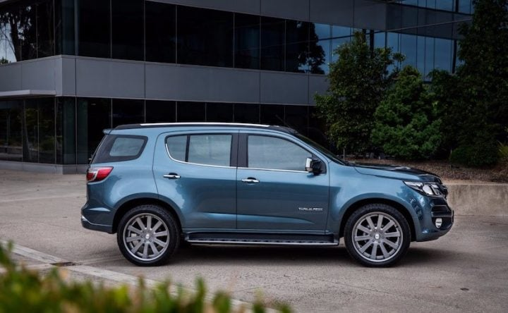 New Chevrolet Trailblazer 2017 India Launch, Price, Specification 2017-chevrolet-trailblazer-facelift-india-launch-official-images (11)