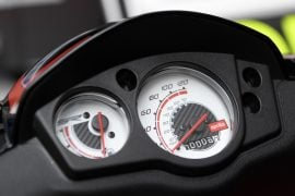 aprilia-sr-150-official-images-speedo