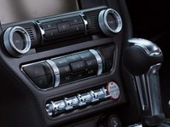 ford-mustang-test-drive-review-switches