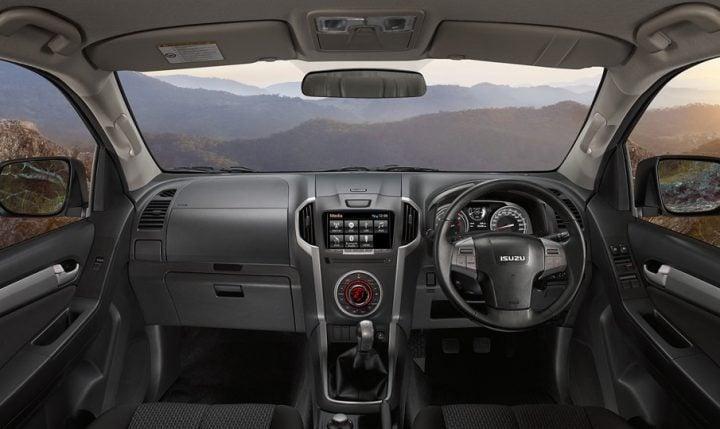 isuzu-mu-x-official-images-interior-dashboard-design