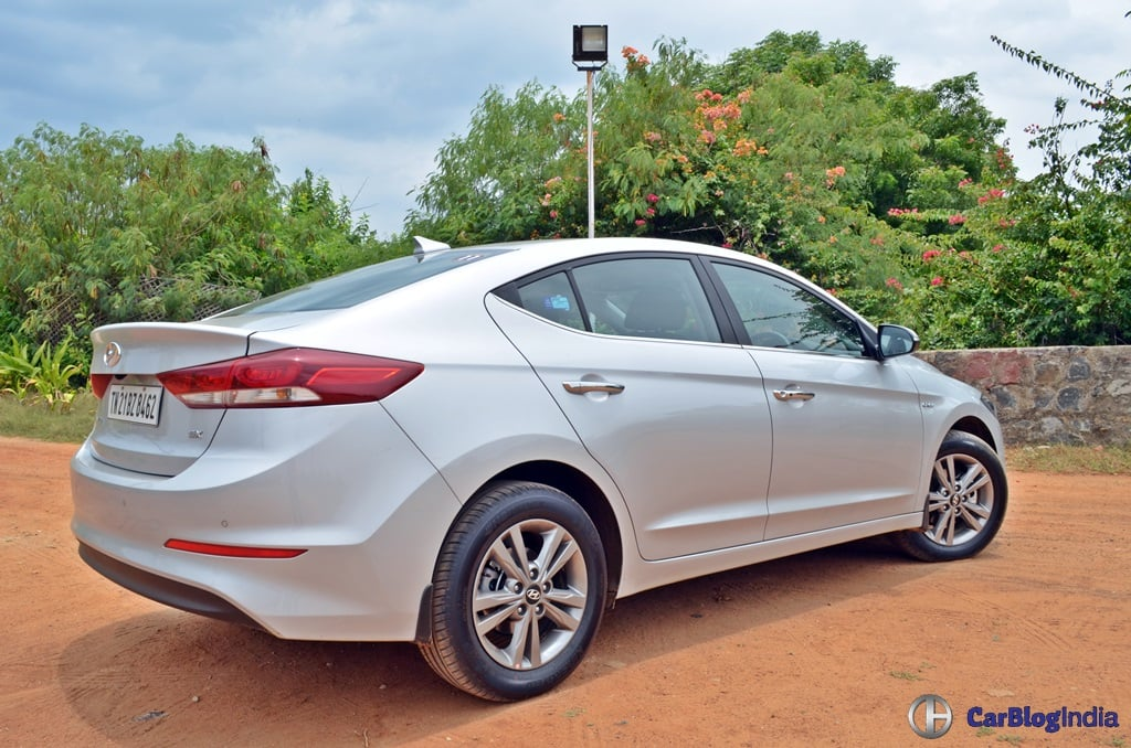 2016 hyundai elantra test drive review specifications features. Black Bedroom Furniture Sets. Home Design Ideas