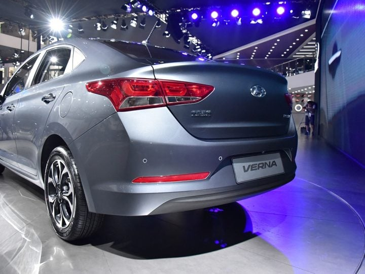 new Hyundai Verna 2017-rear-three-quarter-silver-image