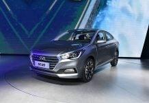 new Hyundai Verna 2017-front-three-quarter-silver-image