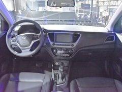 2017-Hyundai-Verna-interior-image