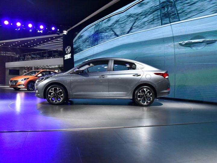 new Hyundai Verna 2017 side profile image