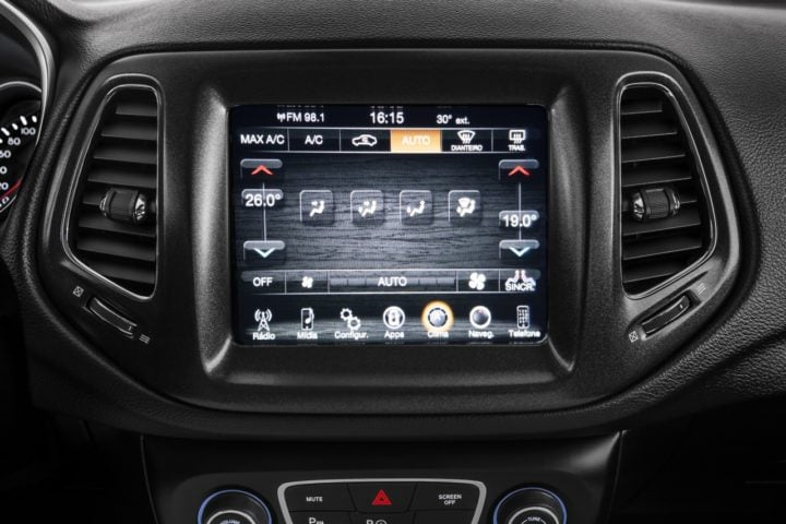 jeep compass india touchscreen