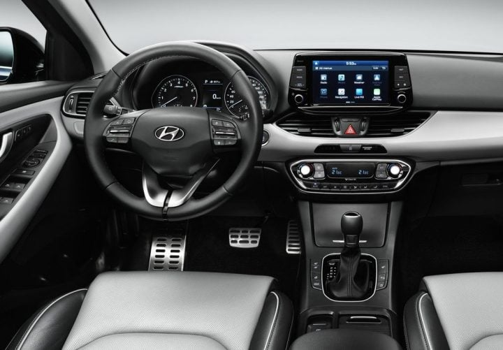 2017-hyundai-i30-official-images-interiors