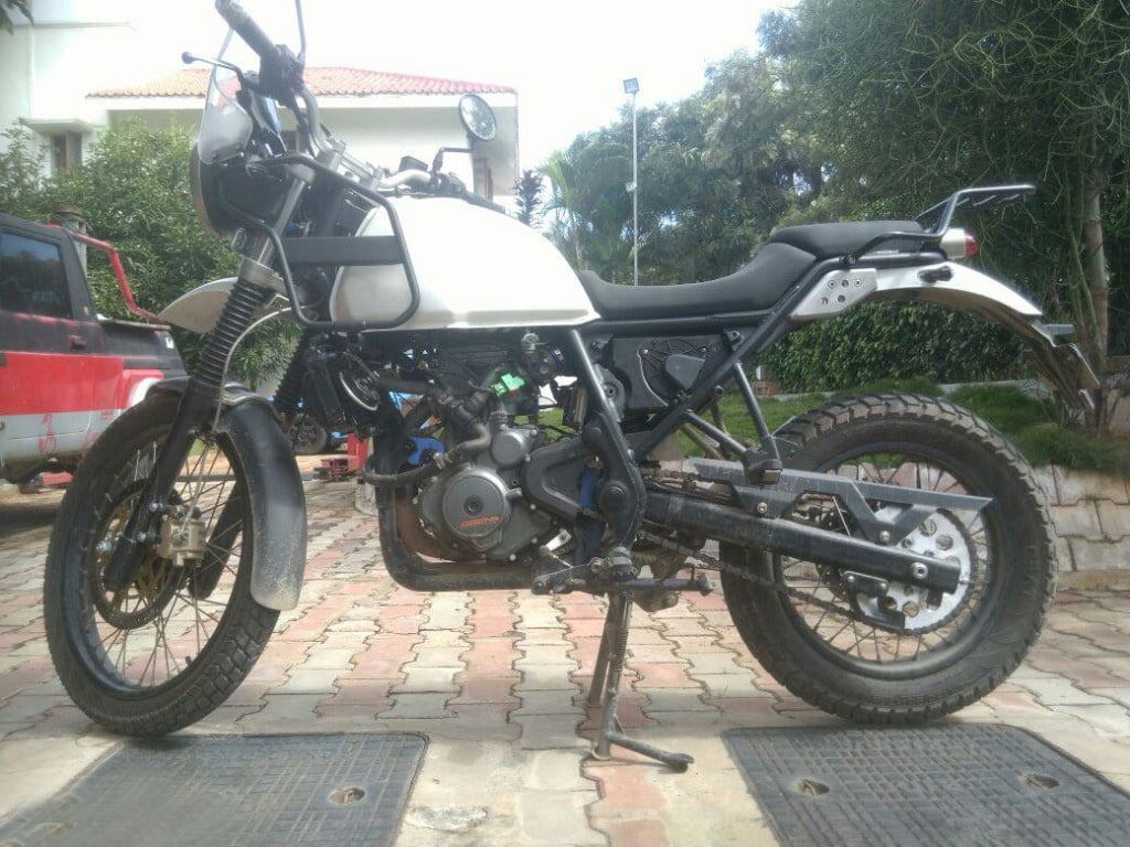 Modified Royal Enfield Himalayan With Ktm 390 S Engine Images Details