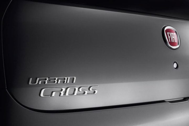 new-fiat-urban-cross-official-image-badge