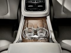 volvo-xc-90-t8-hybrid-official-image-interior1