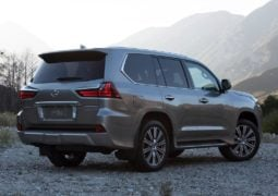 2016-lexus-lx-570-india-official-image-rear-angle
