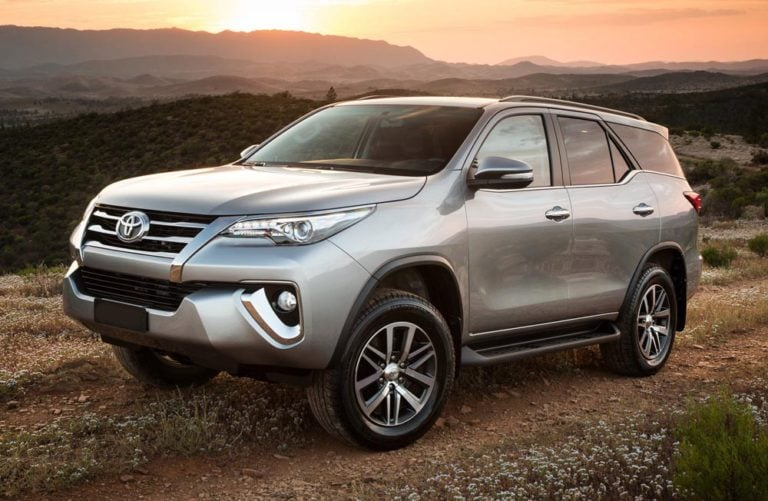 New 2016 Toyota Fortuner Prices Start at INR 25.92 lakhs!