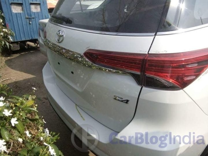 New 2016 Toyota Fortuner India Launch, Price, Release Date 2016-toyota-fortuner-india-spy-shots-rear-close