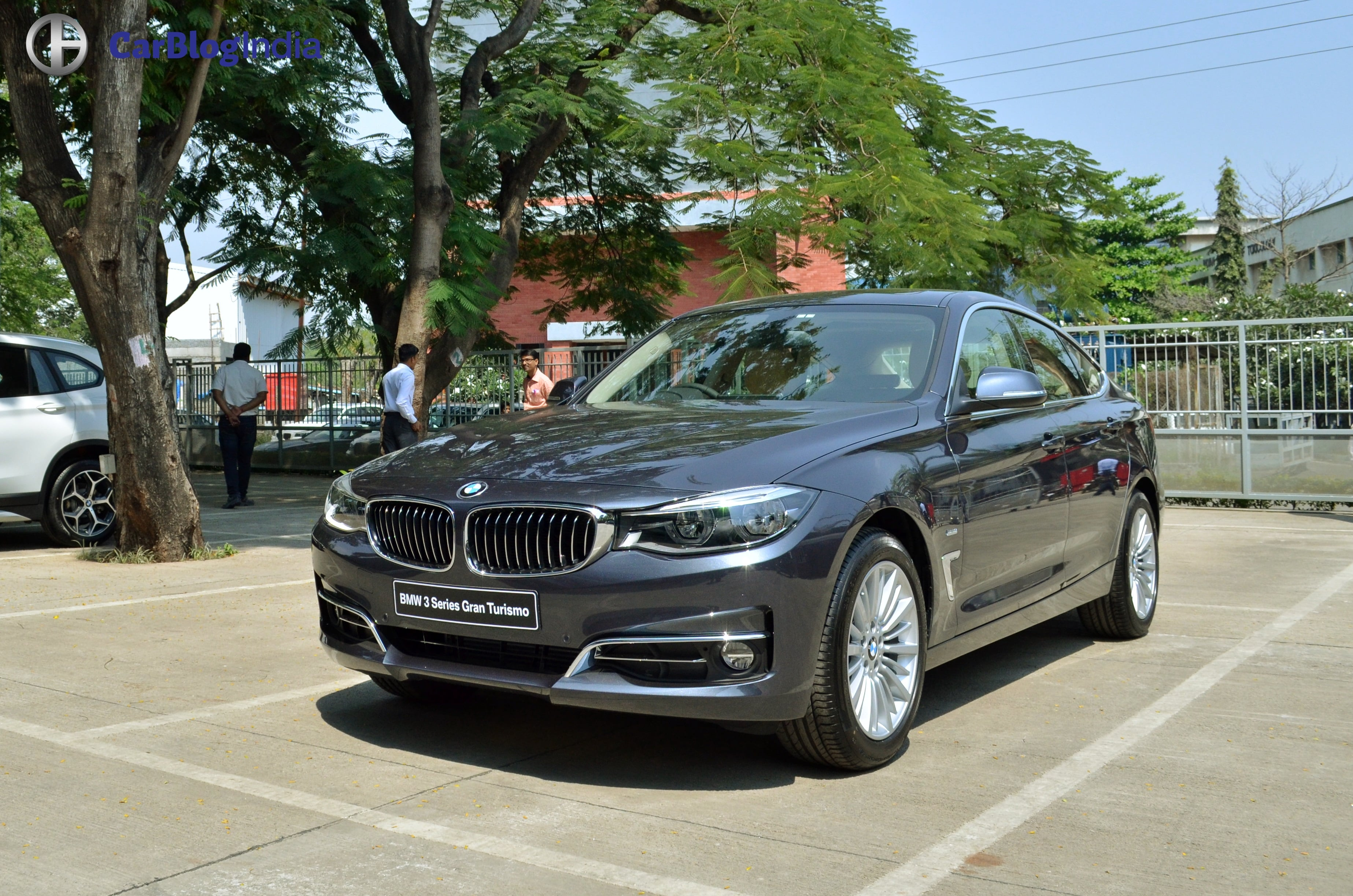 BMW 3Series 320i 325i and all models Photos Prices