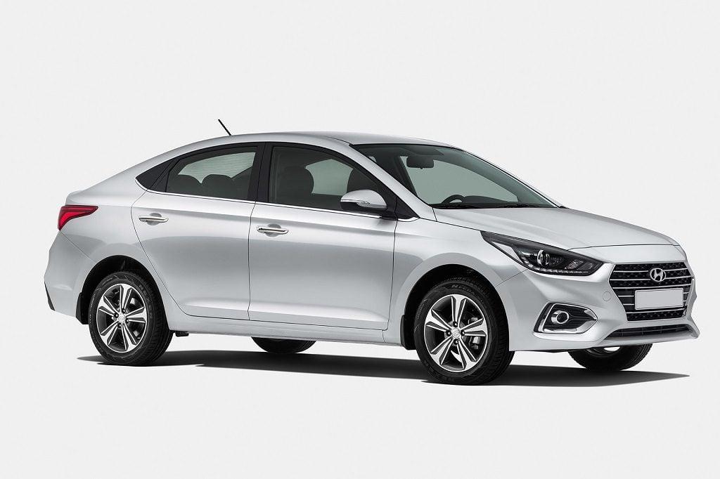 New 2017 Hyundai Verna India Official Image Front Angle