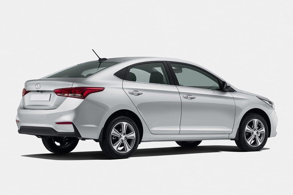 New 2017 Hyundai Verna India Official Image Rear Angle