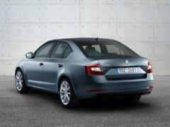 2017-skoda-octavia-india-rear-angle-images
