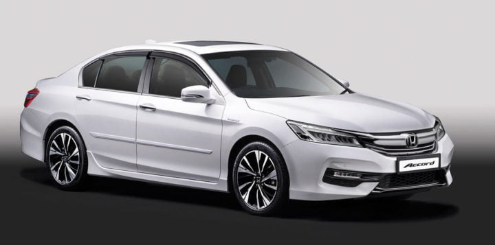 New Honda Accord 2016 India Price- 37 lakh >> Specs, Mileage, Interior honda-accord-hybrid-official-image-front-angle