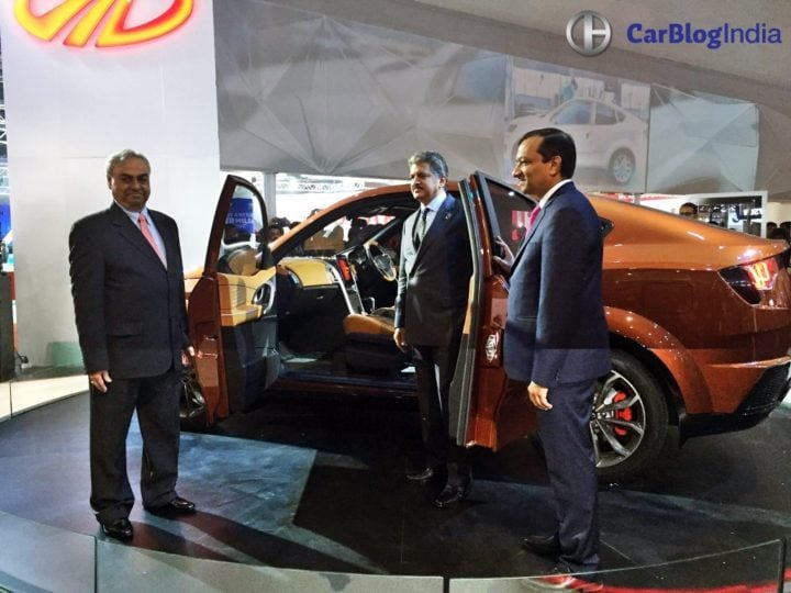 Mahindra XUV Aero Price 20 lakh, launch in 2019, Specifications, Design mahindra-xuv-aero-coupe-auto-expo-images-anand-mahindra-pawan-goenka-pravin-shah
