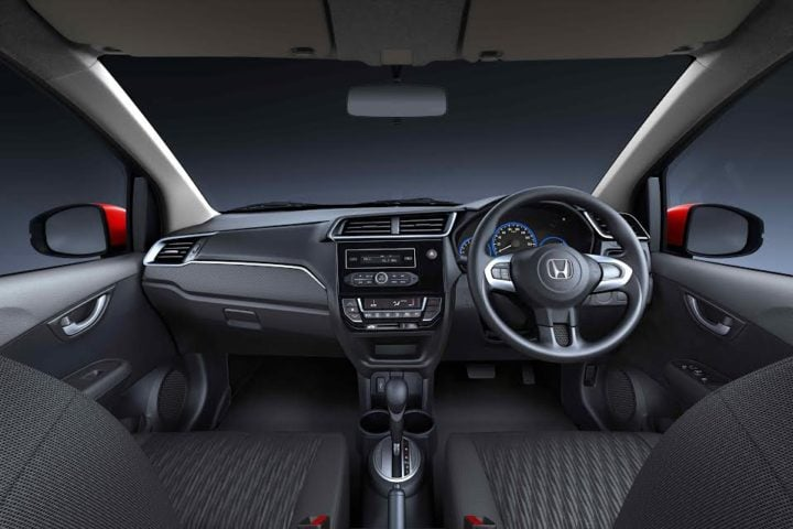 new-2016-honda-brio-facelift-official-images-dashboard