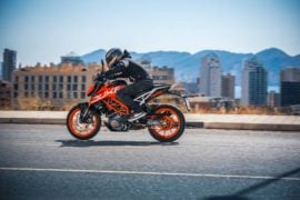 2017-ktm-duke-390-official-image-5