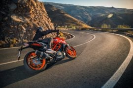 2017-ktm-duke-390-official-image-6