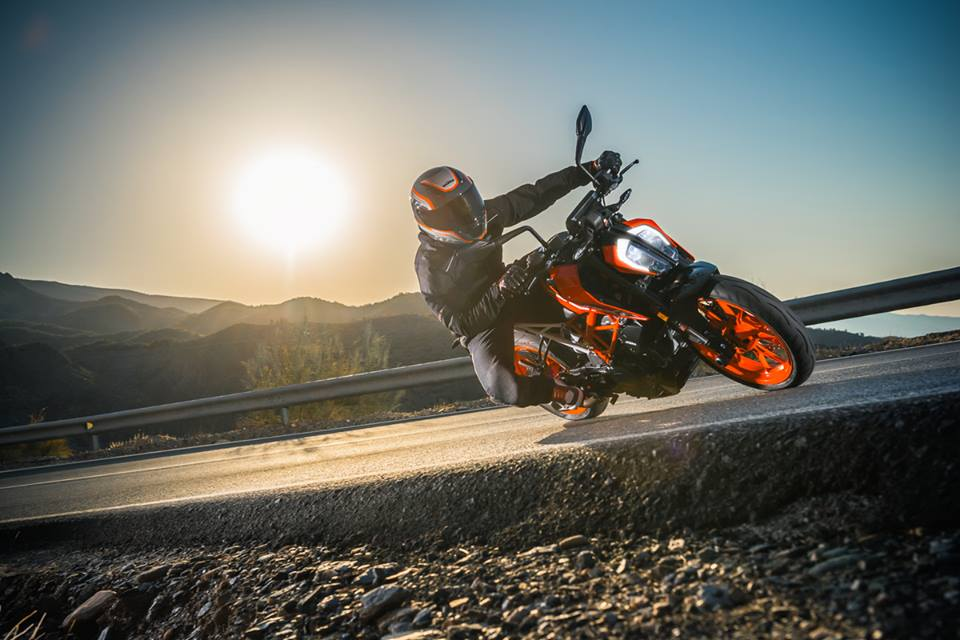 2017 Ktm Duke 390 India Launch Price Images Specifications